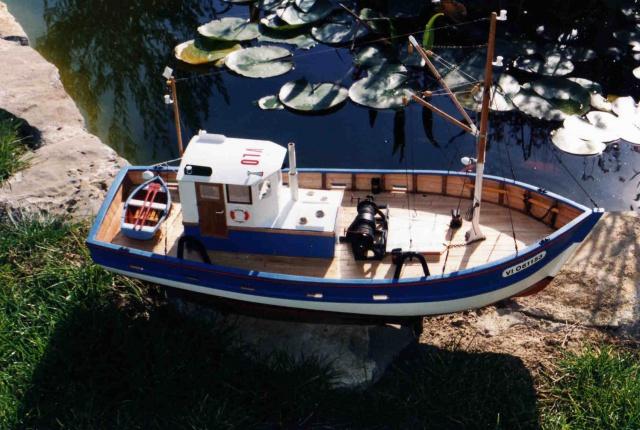 "Petit bateau ""janine""  249690Autosbateauxmaison737"