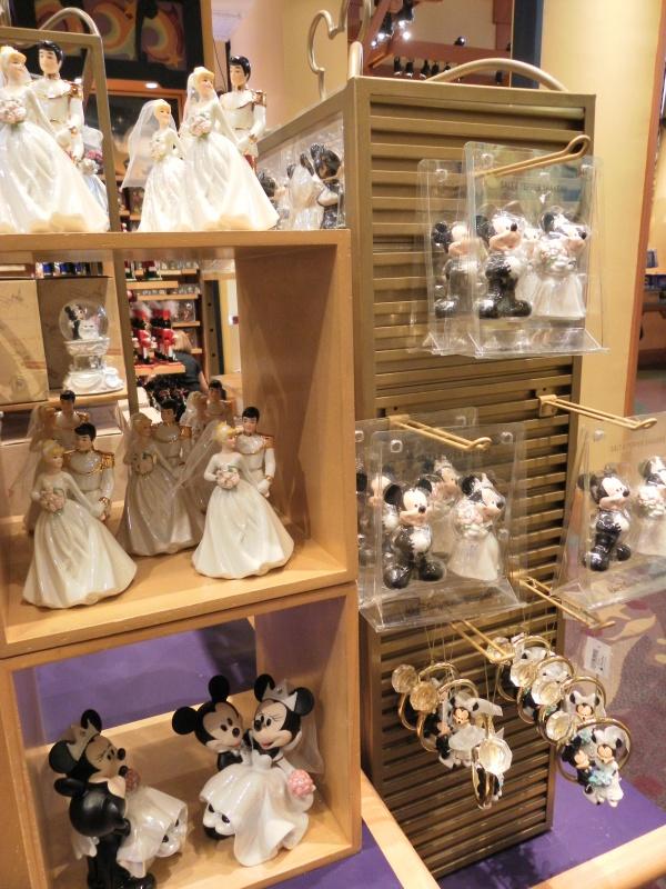 Les accros du shopping à Walt Disney world - Page 2 249800SAM4500