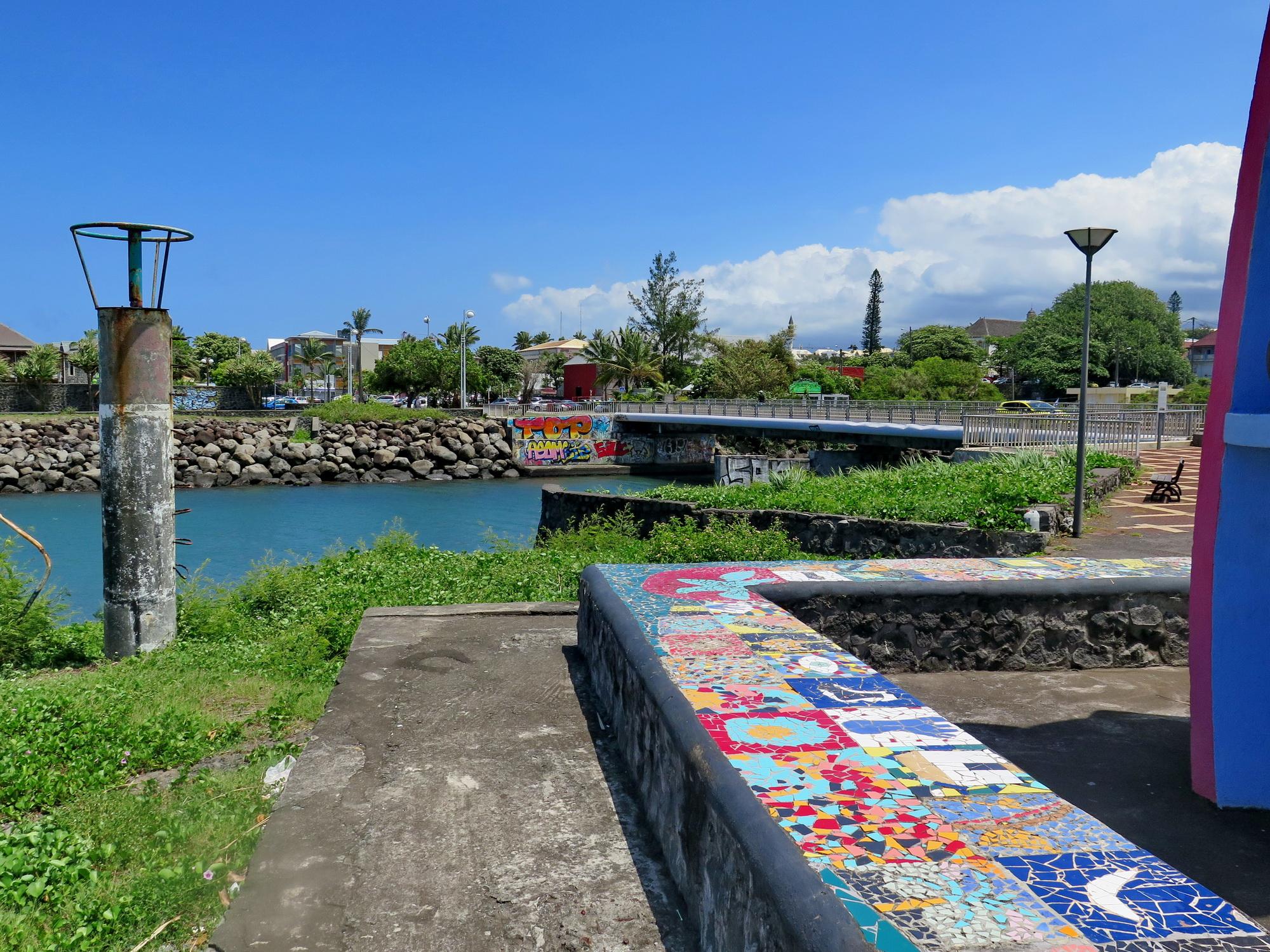 [Vie des ports] Les ports de la Réunion - Page 2 250847IMG0366