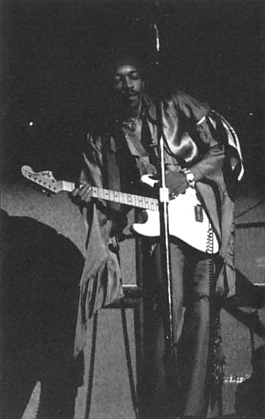 Dallas (Memorial Auditorium) : 20 avril 1969 2515111969042003dallasusa