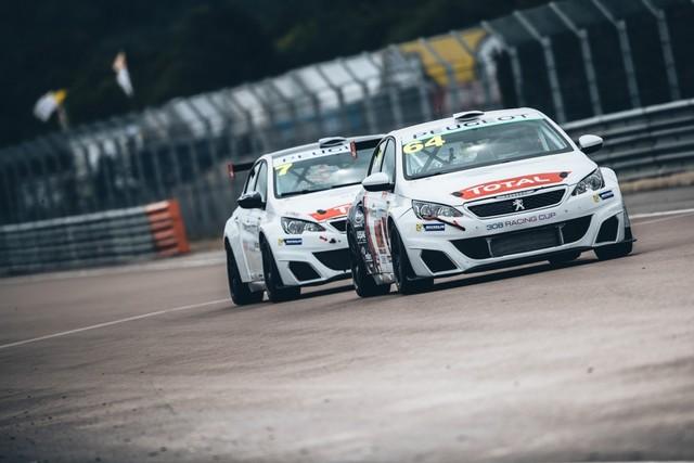 La Peugeot 308 Racing Cup Se Joue Des Conditions ! 2517625957d5d90f293