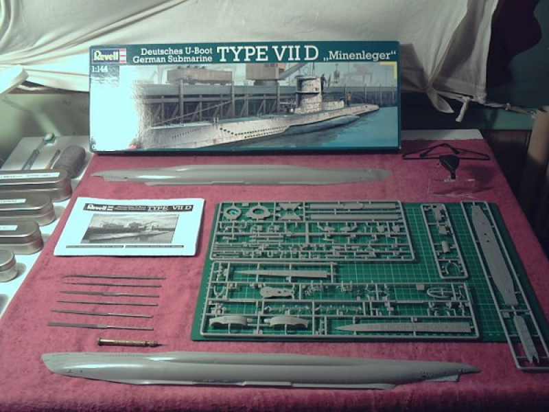 U-Boot type VII D Minenleger     Revell     1/144ème 2592891vuedensemble