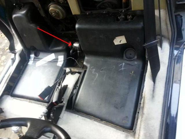 Remise en route après 3 ans stockée au chaud dans un garage - Page 2 260861IMG52523528301288
