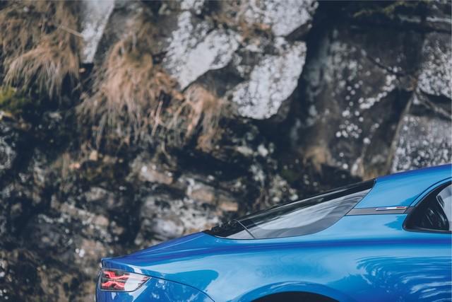Alpine est de retour - A110, la voiture de sport française agile et compacte 2615618831416