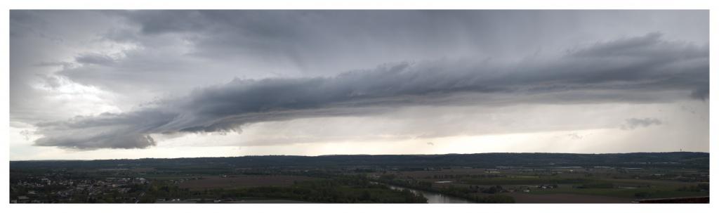 FIL ROUGE : Le ciel et les nuages  268519Panoramaencadr2