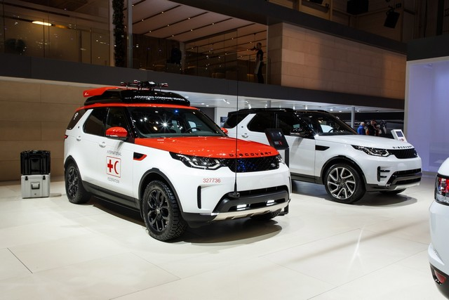 Project Hero, une version unique du nouveau Land Rover Discovery pour la Croix Rouge autrichienne  269487lrnewdiscoveryprojecthero0702173