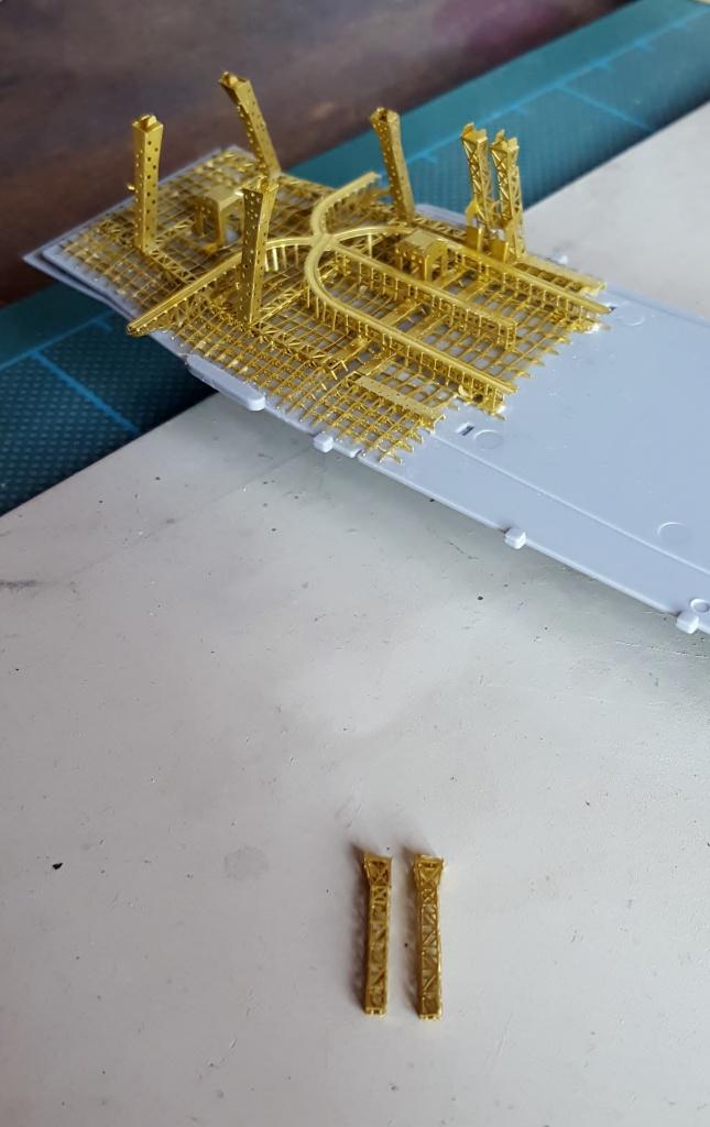 AKAGI 1/700 Hasegawa Kit PE et Pont en bois - Page 4 27000520160731175436