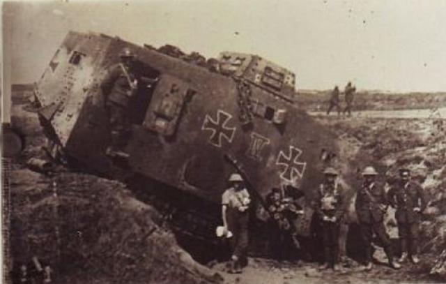 A7V [TAURO MODEL 1/35e] Le premier Panzer - Page 2 2746512190350940_f05692d29d