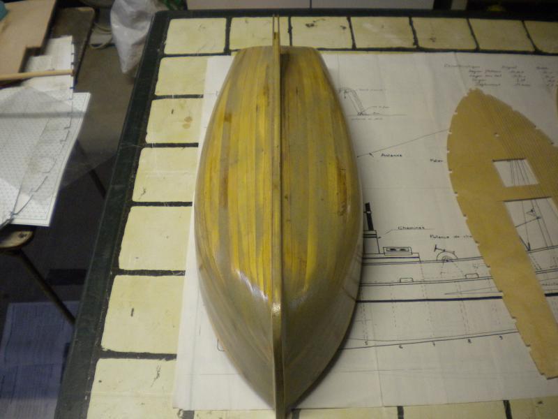 barque chalutiére au 1/20è d'après plans - Page 2 279848DSCN2176