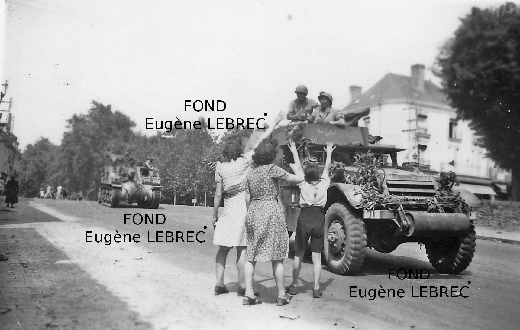 Chateau Gontier (Mayenne), véhicules à identifier 28130224