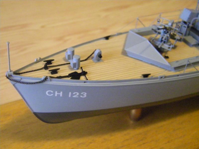 Chasseur de sous-marin CH 123 au 1/100e sur plan 2831421001721