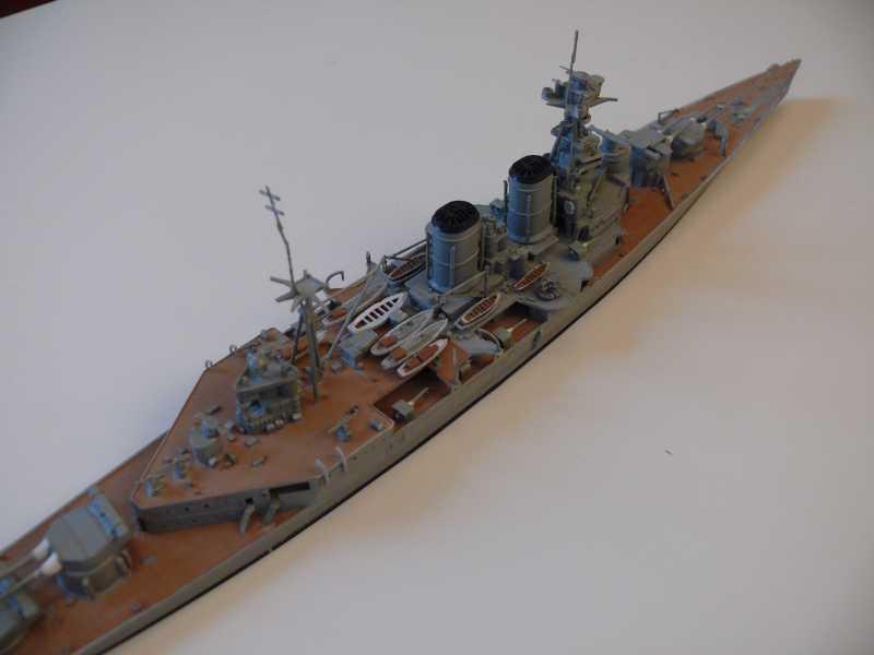 HMS Hood 1/700 Trumpeter 288374P1080019