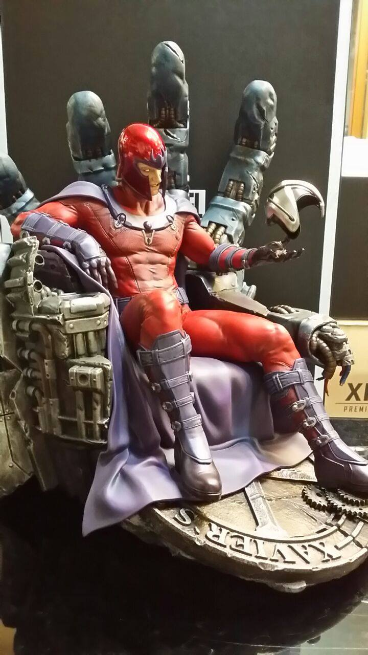 Premium Collectibles : Magneto on Sentinel Throne - Page 4 2960931049610914007230968150526614615743461715230o