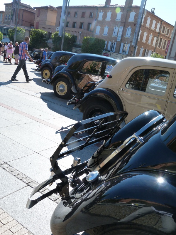 CR : Sortie 13/09/14 pour les 80ans de la Traction Citroen à ALBI (Tarn Retro Auto Club) (pas de MP3) 302989TAV8