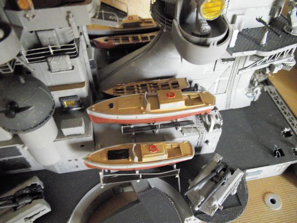 Bismarck Trumpeter 1x200 avec PE et figurines Eduard 303582Bismarck1x200112