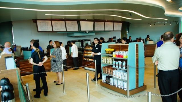 Starbucks Coffee arrive dans tous les parcs Disney américains à partir de juin 2012 - Page 3 304469fv1