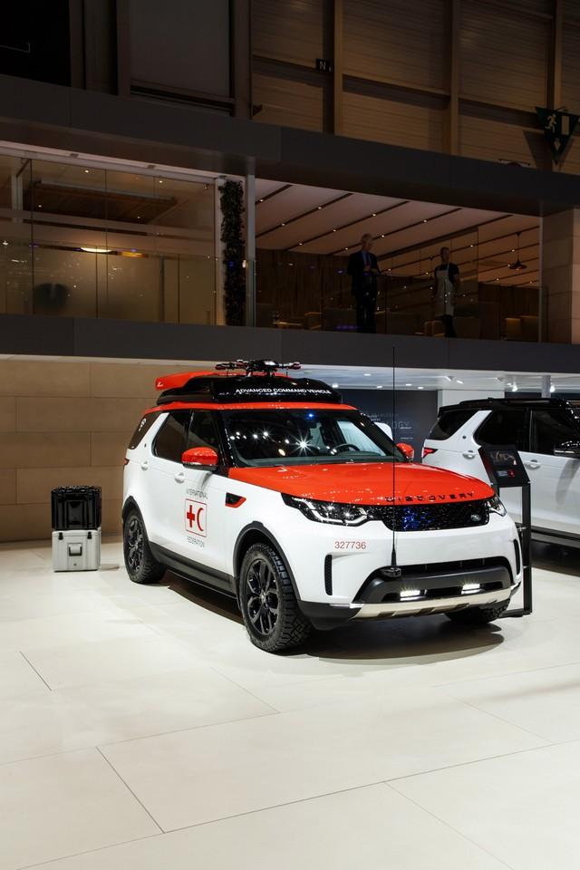 Project Hero, une version unique du nouveau Land Rover Discovery pour la Croix Rouge autrichienne  306826lrnewdiscoveryprojecthero0702172