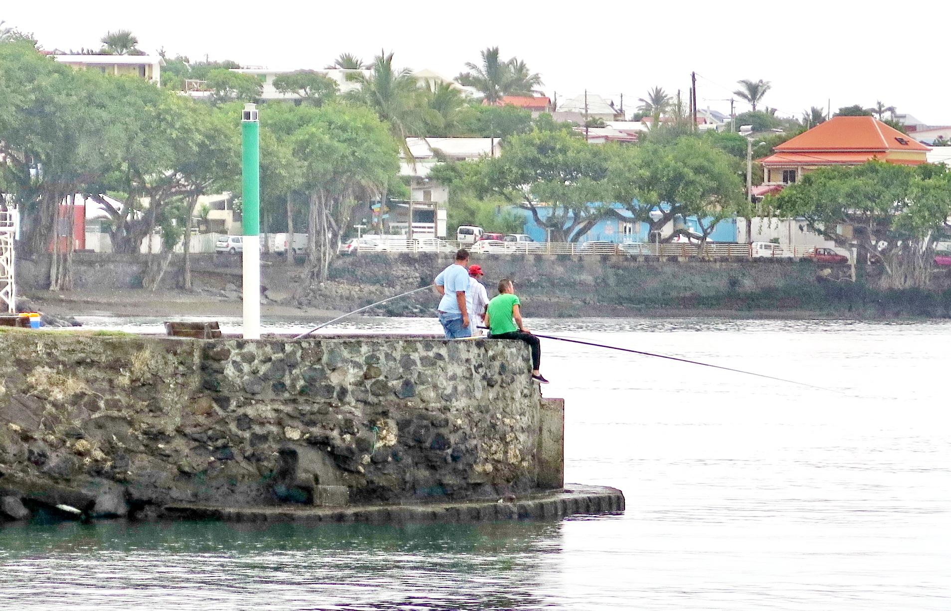 [Vie des ports] Les ports de la Réunion - Page 2 309921saintpierre020