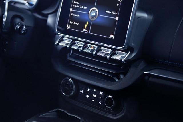 Alpine est de retour - A110, la voiture de sport française agile et compacte 3176008834216