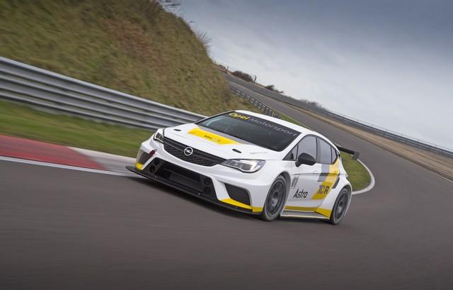 Essais présaison : l'Opel Astra TCR enchaine les kilomètres 318160OpelAstraTCR299183