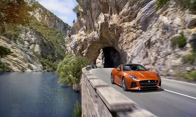 Nouvelle Jaguar F-TYPE SVR : La Supercar Capable D'atteindre 322 km/h Par Tous Les Temps 320649JAGUARFTYPESVR07COUPELocationLowRes