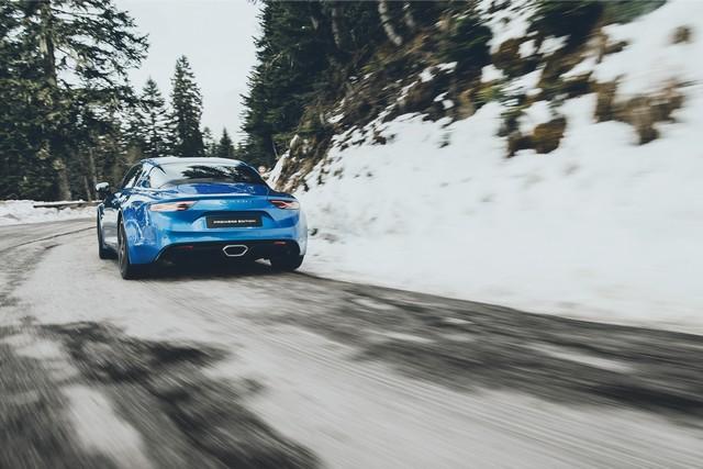 Alpine est de retour - A110, la voiture de sport française agile et compacte 3244128831616
