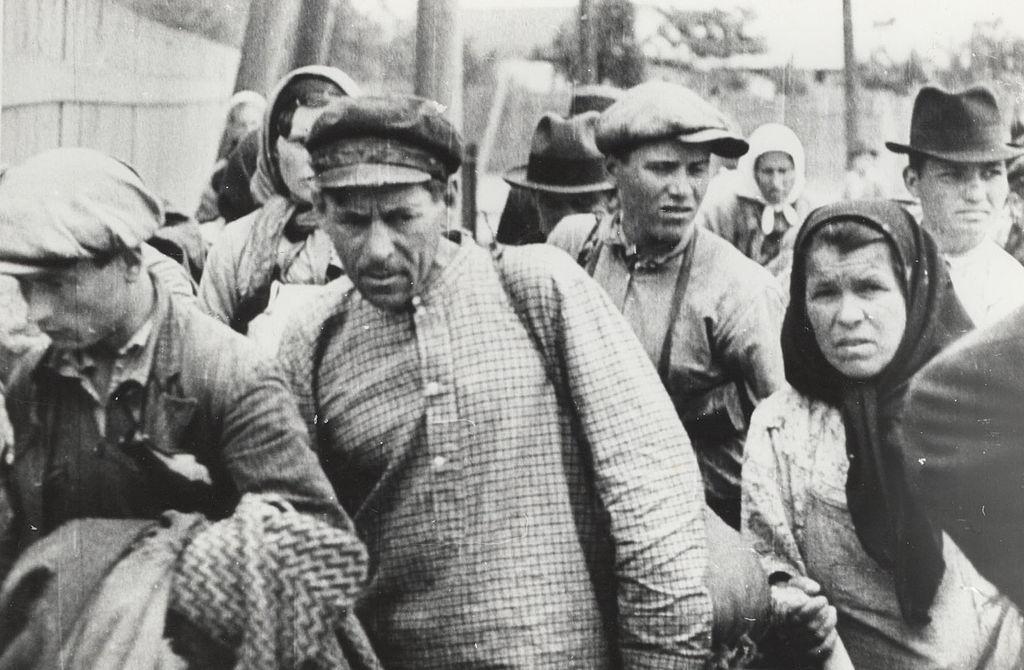 LFC : 16 Juin 1940, un autre destin pour la France (Inspiré de la FTL) 3321961024pxSovietoccupationofBessarabiaandNorthernBukovina11
