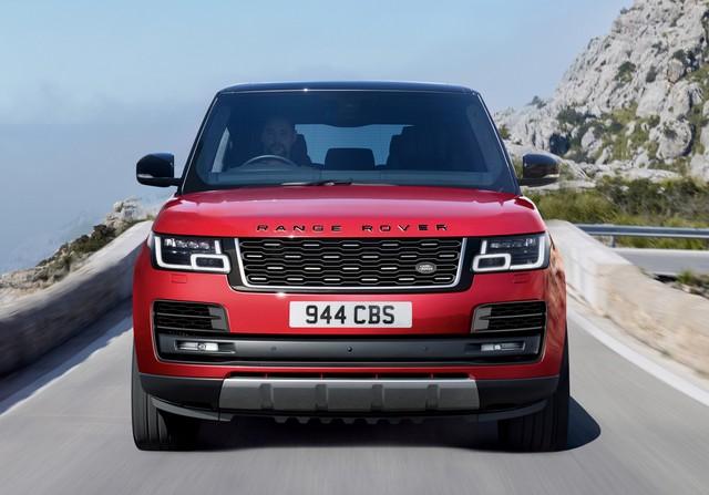 Le Nouveau Range Rover intègre dans sa gamme une motorisation essence hybride rechargeable 334057rrsvautobiographydynamic2