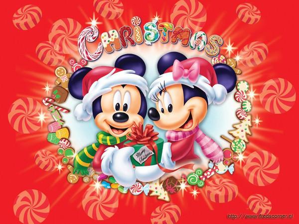 Le père Noël ammène sa hotte remplie de cadeaux pour tous les enfants sages! 339241kimiki1