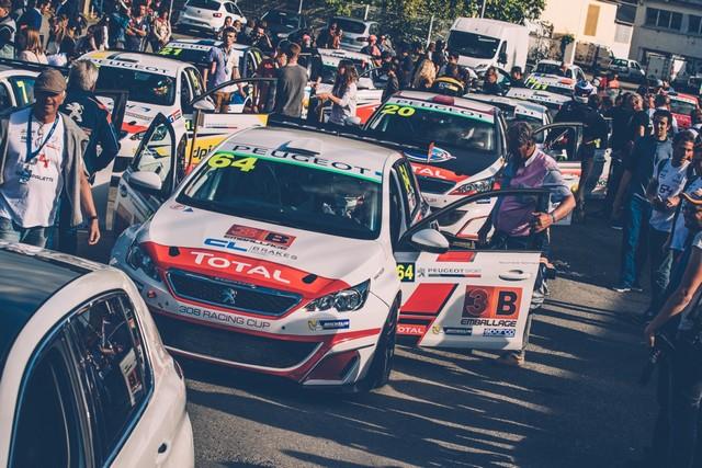 Les 308 Racing Cup À Toute Vitesse À Dijon  3402455921318700aff