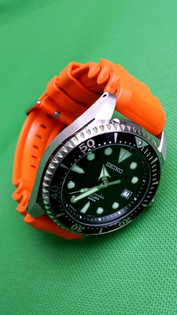 Quelles montres allez-vous mettre dans l'eau salée cet été ? 342576SH7