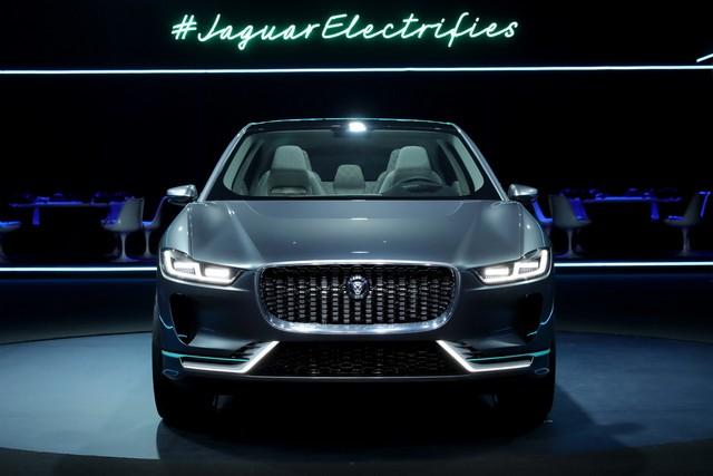 Jaguar Dévoile Le Concept I-PACE : Le SUV Électrique Performant 345657jagipacevrevent141116006resize1024x682