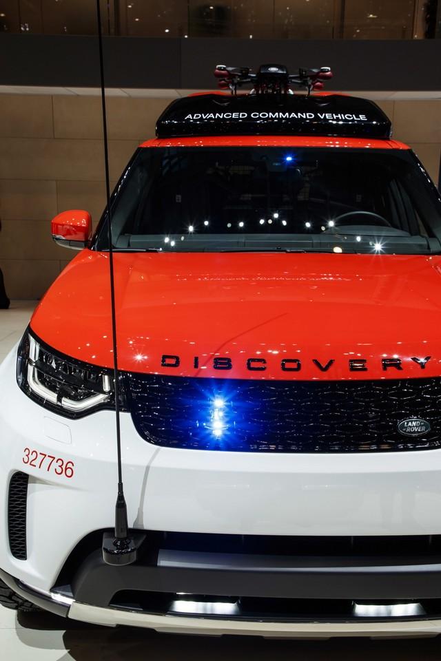 Project Hero, une version unique du nouveau Land Rover Discovery pour la Croix Rouge autrichienne  349256lrnewdiscoveryprojecthero07021727