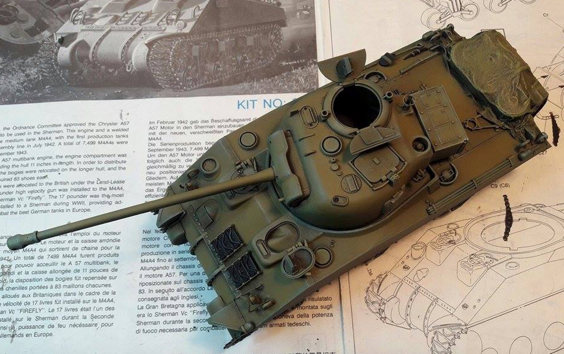Sherman Vc Firefly - 1/35ème - kit Dragon #6031 Sherman Vc 'Firefly' - Page 2 3514921stShadowsLights