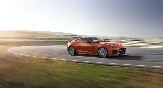 Nouvelle Jaguar F-TYPE SVR : La Supercar Capable D'atteindre 322 km/h Par Tous Les Temps 351730JAGUARFTYPESVR15COUPETrackLowRes