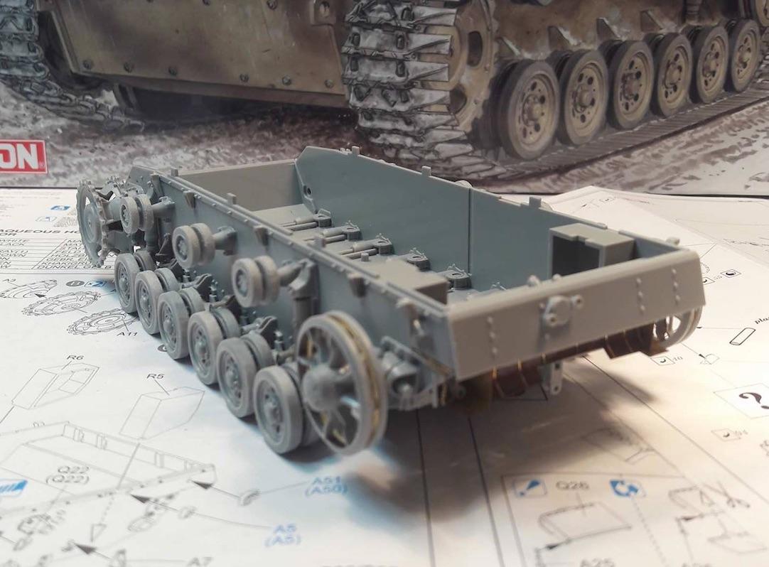 StuG.III Ausf.F/8 late production w/Winterketten - 1/35 352429Steps1to5B