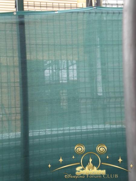 Construction du Dark Ride Ratatouille pour 2014 - Page 40 354656DSCN9963border