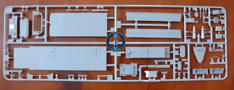 JMSDF LST Osumi 1/700 (Tamiya) 357442P1080419