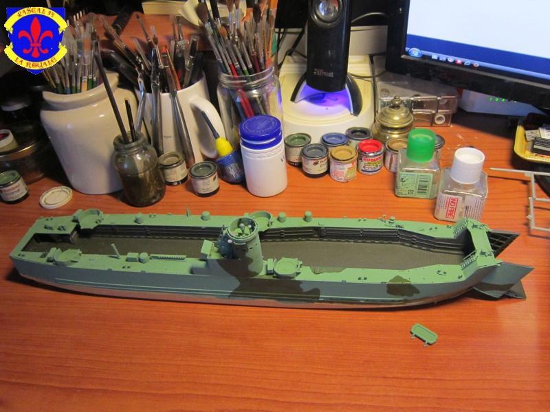 U.S. Navy Landing Ship Médium (Early) au 1/144 de Revell par Pascal 94 - Page 6 363611IMG42291