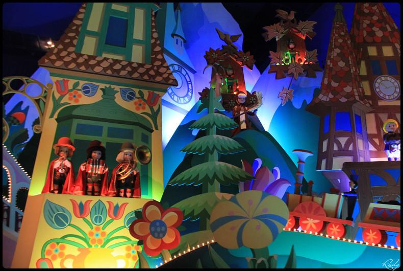 It's small world re- décoré  pour Noël - Page 5 365028IMG0495border