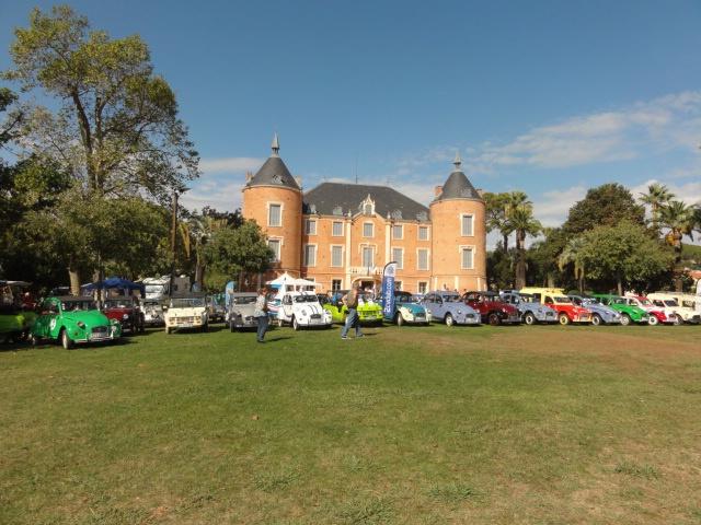 Des autos dans le parc du Château... 365738DSC01001