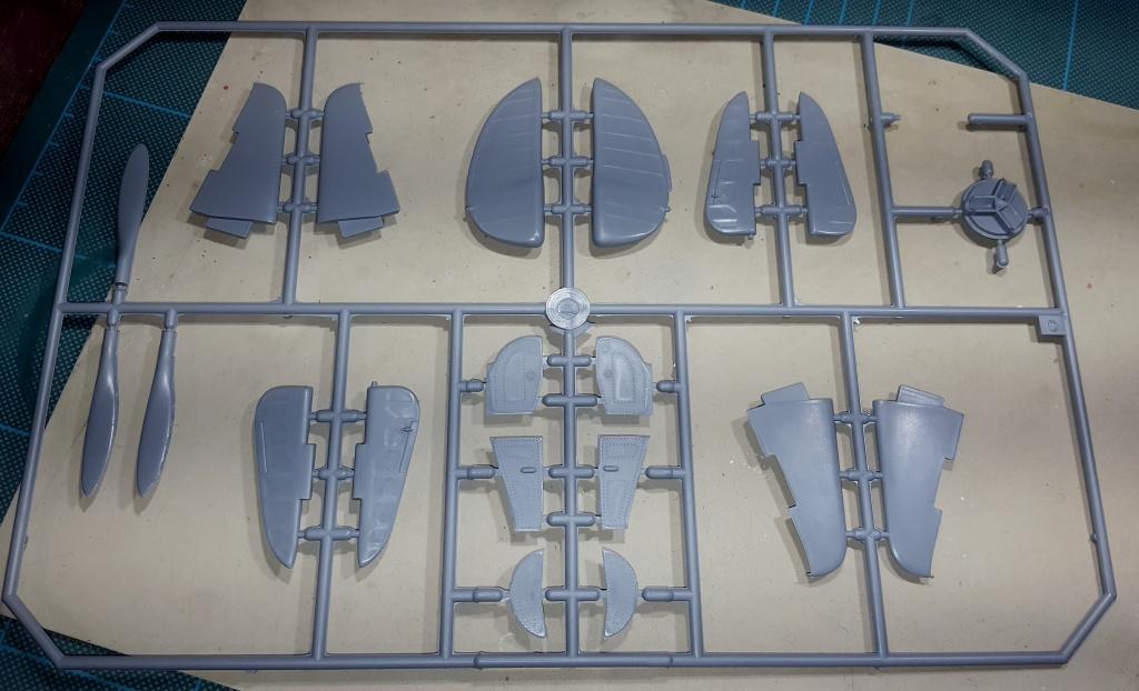 YAK 3 - Normandie Niemen 1/32 Special Hobby 36649120160913221829