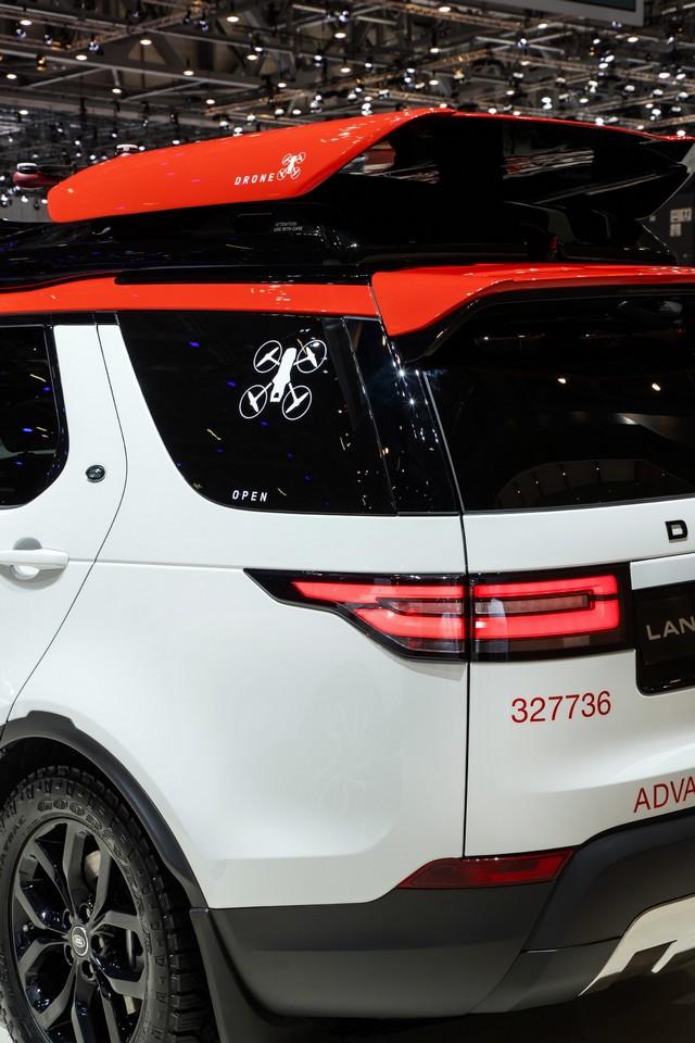 Project Hero, une version unique du nouveau Land Rover Discovery pour la Croix Rouge autrichienne  367845lrnewdiscoveryprojecthero07021730