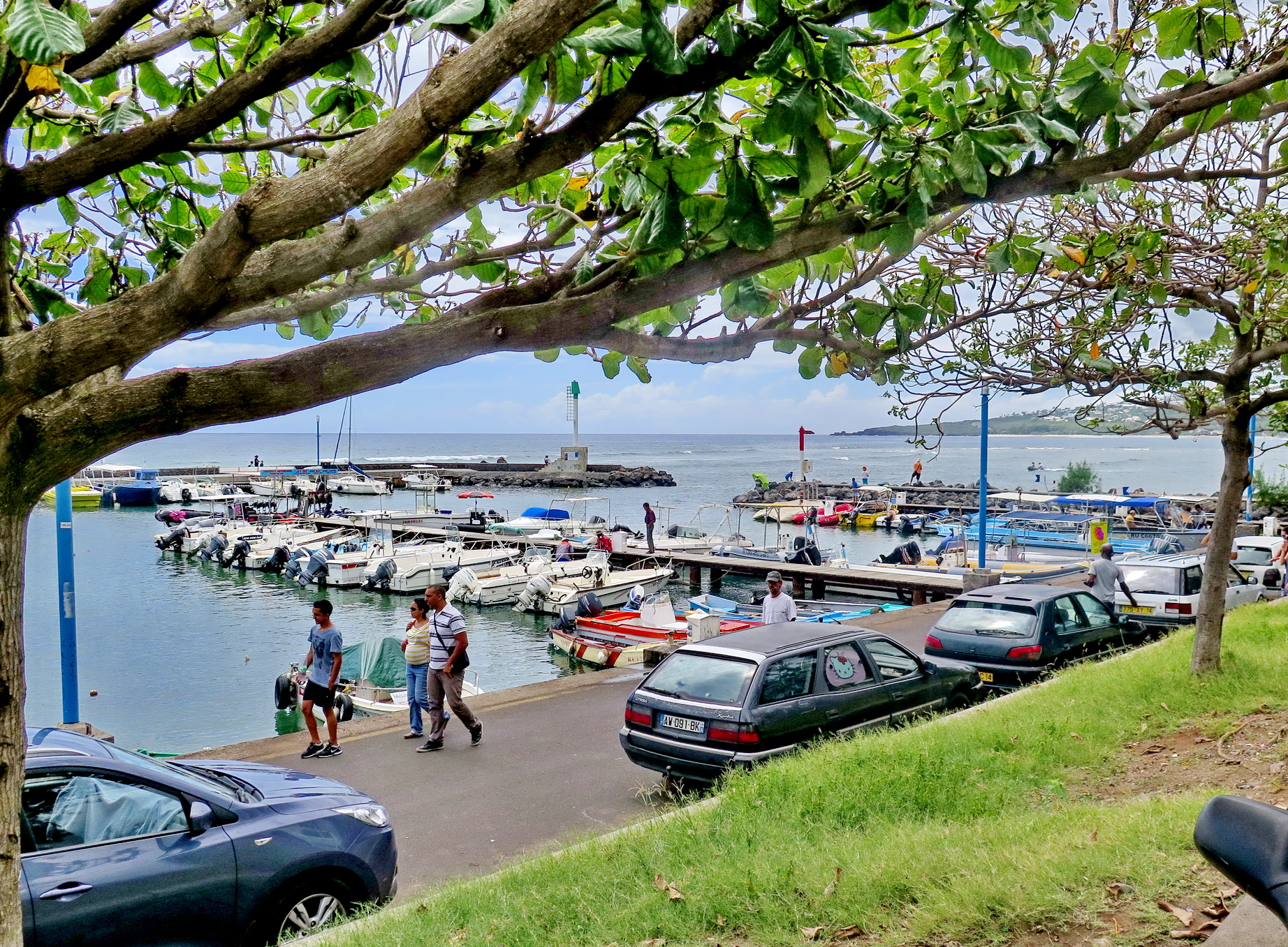 [Vie des ports] Les ports de la Réunion - Page 4 368288stpierrestleu158