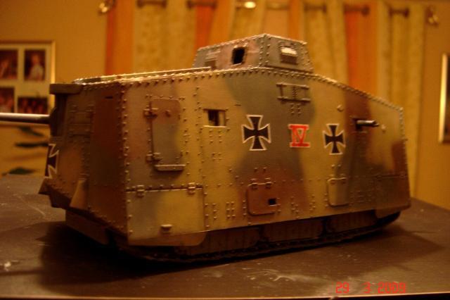 A7V [TAURO MODEL 1/35e] Le premier Panzer - Page 2 370823mars_2008_A7V_014m
