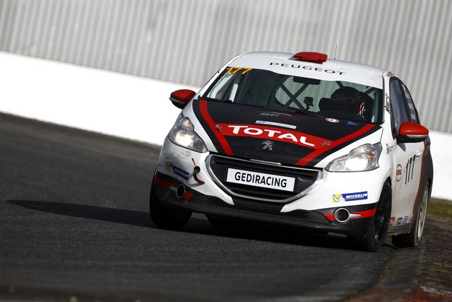 Rencontres Peugeot Sport - Quatre Titres Distribués A Nogaro ! 37252258289a35dbc68