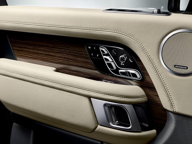 Le Nouveau Range Rover intègre dans sa gamme une motorisation essence hybride rechargeable 373573rr18mydetail10101712