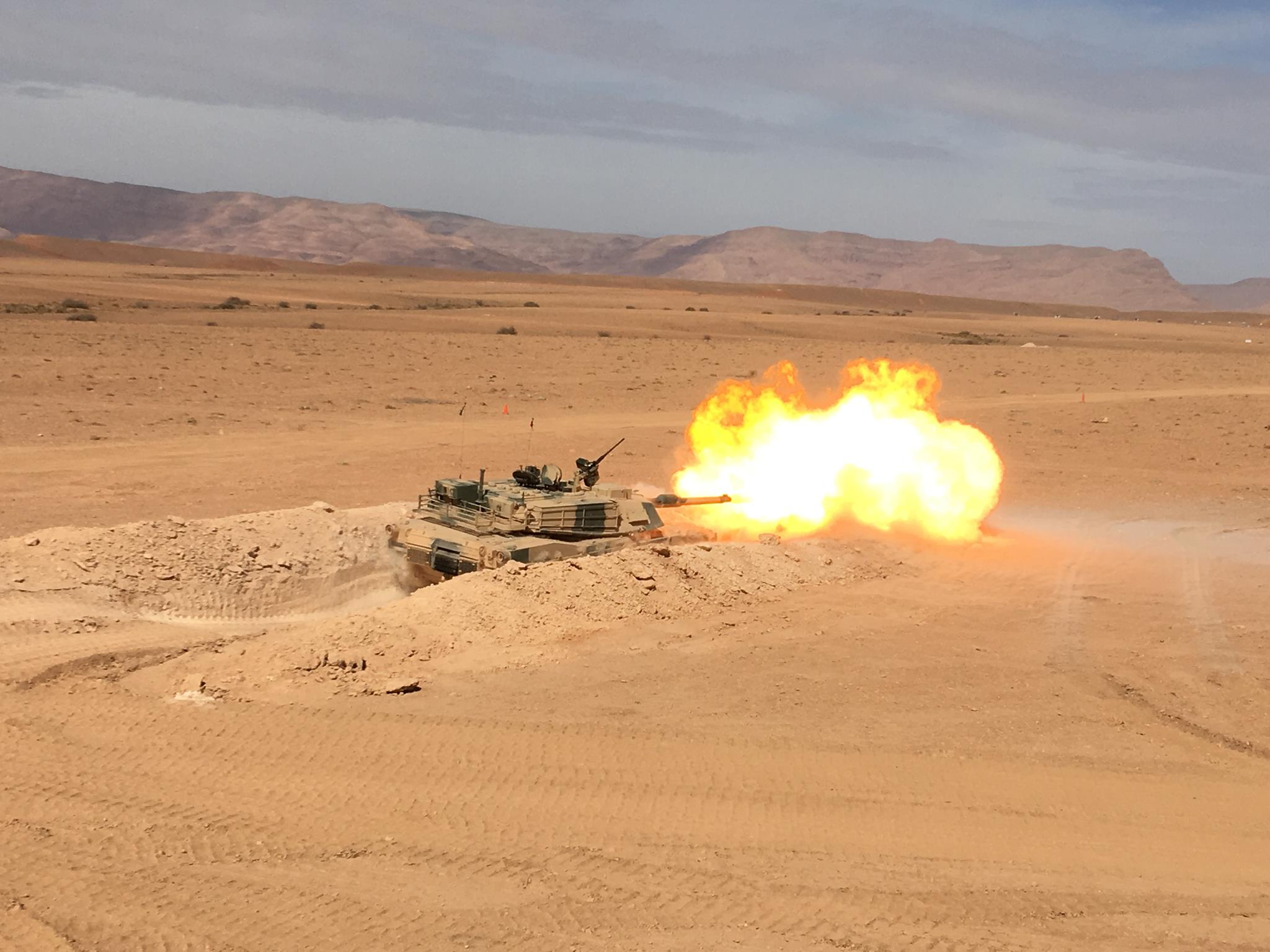 M1A1 SA ABRAMS Marocains / Moroccan M1A1 SA ABRAMS 37470322529037101557815943248413744933170447440055o