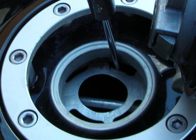 Gros problème d'ouverture du bouchon d'essence !!!!!! - Page 2 376572008