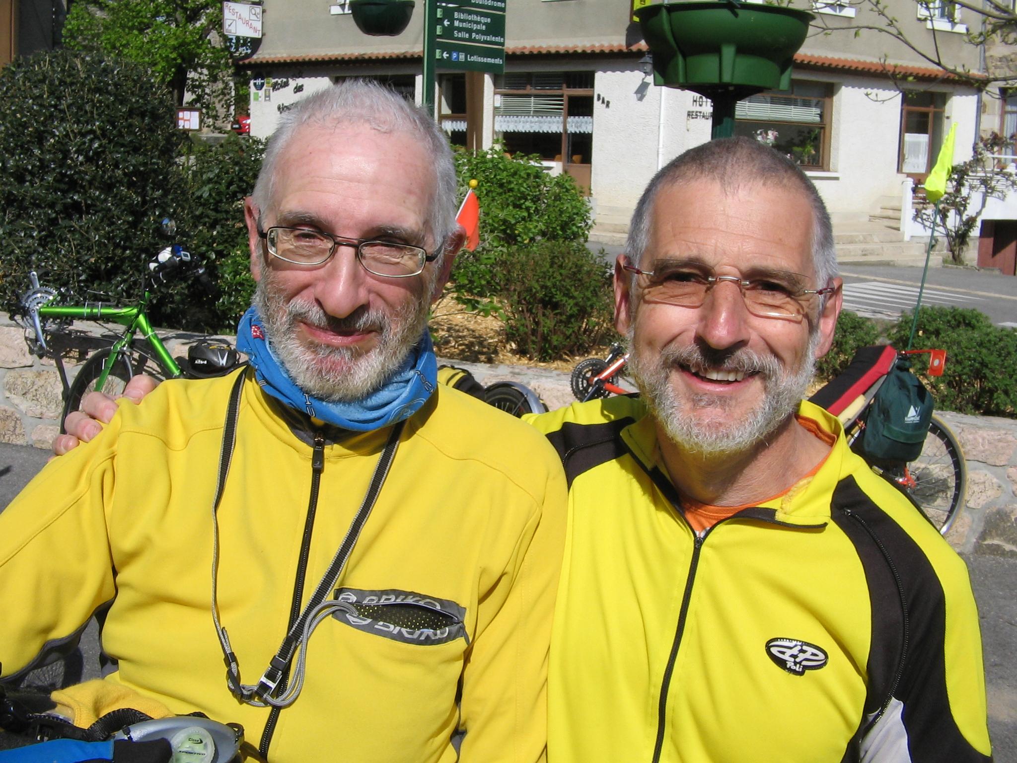 6e sortie dans la vallée du Haut Doux (Ardèche) le samedi 16 avril 2011 3799806sortiedelavalleduhautdoux013